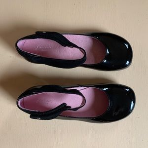 Classic black patent leather Jacadi Mary Janes